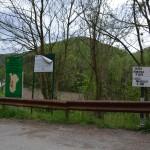 De aici incepe, oficial, traseul spre lacul Dracului, de la Sopotul Nou