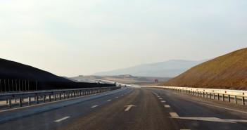 Drumurile Romaniei: doar 747 km de autostrazi si 31.000 km de drumuri pietruite si de pamant