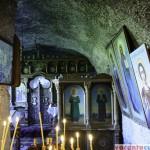 Orheiul Vechi - manastirea din stanca