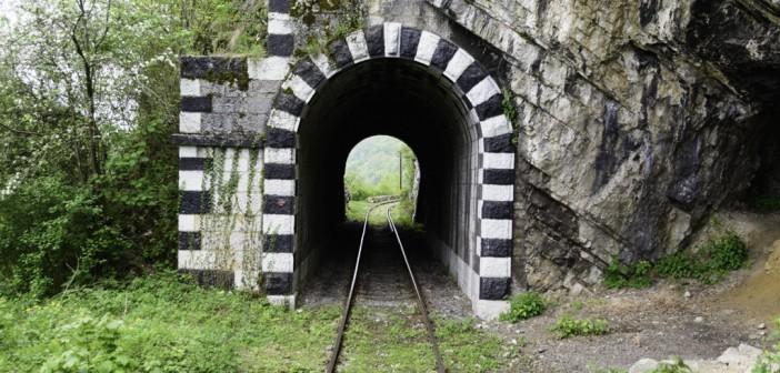 Calatorie pe cea mai veche cale ferata din Romania: Oravita – Anina. Si bonus: un teatru austriac